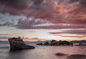 Обои закат, море, скалы, пейзаж, камни, деревья