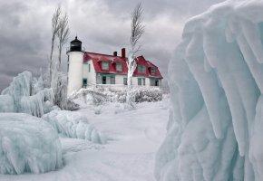 Обои небо, облака, зима, лед, снег, маяк, дом