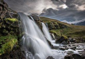 Обои водопад, гора, река, камни, небо, брызги, пейзажи