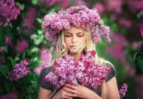 Обои портрет, девушка, цветы, сирень, венок, Lilac dreams