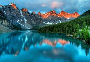 Обои закат, небо, горы, облака, озеро, лес, отражение