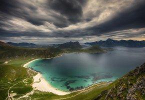 Обои побережье, берег, пляж, горы, небо, облака, пейзаж, песок
