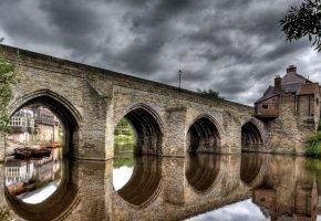 Обои небо, облака, мост, река, дом