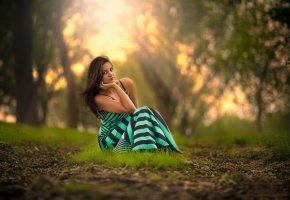 Обои платье, волосы, природа, травка