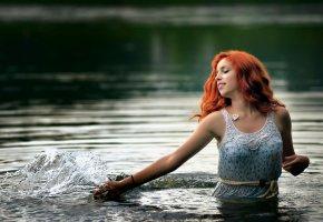 Обои рыжеволосая, в воде, всплеск, красивая, мокрая