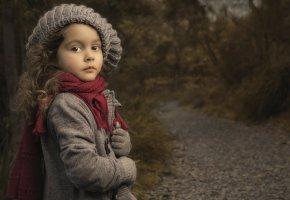 Обои девочка, шарф, шапка, портрет