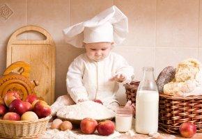Обои кухня, молоко, дети, Повар, Малыш, приготовление еды, яблоки